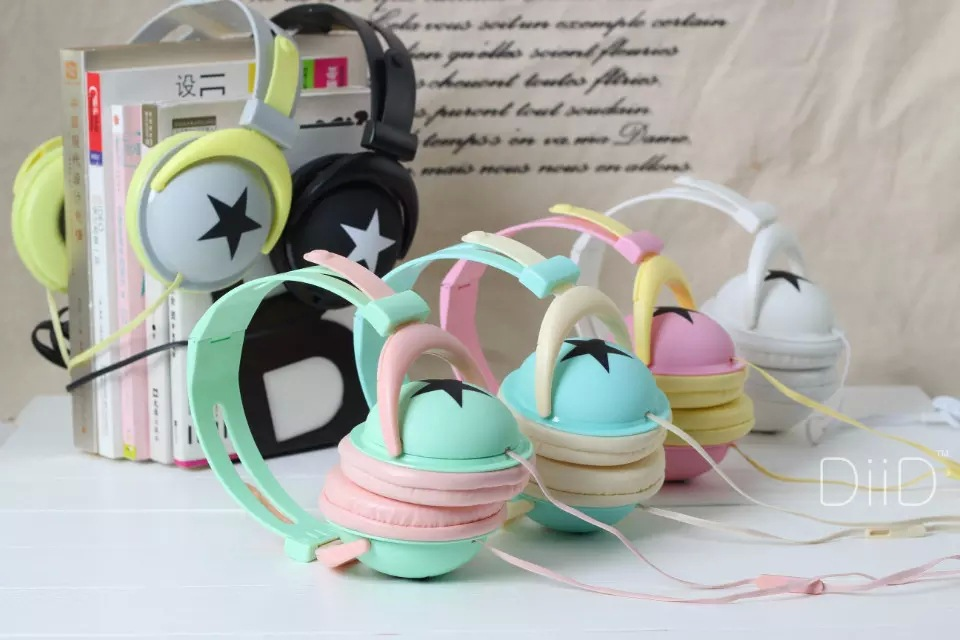 On Sale Fashion Big Star Earphone Headphone with microphone for MP4 MP3 Mobile Phone Laptop(China (Mainland))