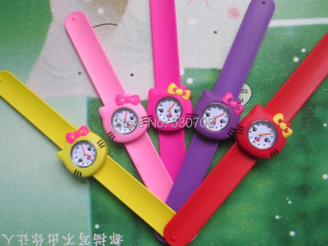10PCS New Arrival ! Free shipping,Hello Kitty Designs,Cartoon Watch,different Nice Slap hello kitty Watch(China (Mainland))
