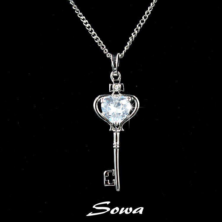 Famous band design Key shape White Gold Plated 8mm heart carat Cubic Zirconia Stone Pendant Necklace,chain necklace(China (Mainland))