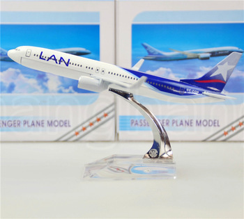 LAN Airlines Boeing 737 Chile 16cm metal alloy model plane toy airplane models child Birthday gift plane models Free Shipping(China (Mainland))