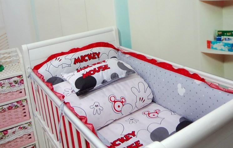 Promotion! Mickey Mouse 1-7pcs Crib Bedding Sets,Kids Accessory Newborn Baby Bed Set,(China (Mainland))