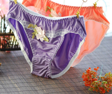 High Quality Two Size M and L Plus Size New Arrival Girl Lovely Cute Embroidery Lace Panties Underwear  Lolita brief Thong WP163(China (Mainland))