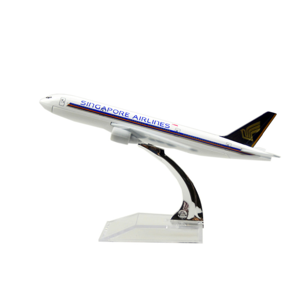 SINGAPORE AIRLINES Boeing 777 16cm alloy metal model plane toy airplane models child Birthday gift plane models Free Shipping(China (Mainland))