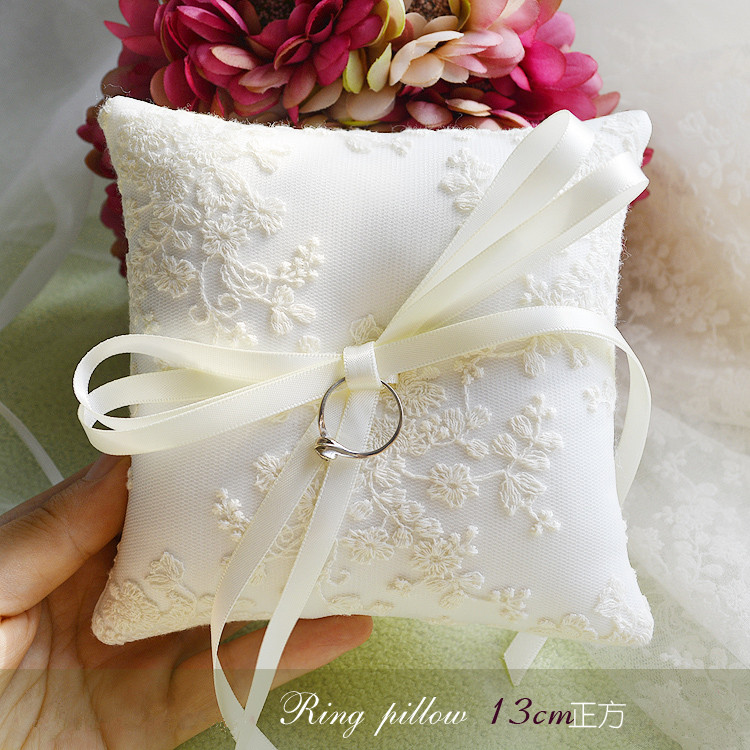 wedding ring pillow beige lace high-end ring pillow for wedding bowknot decoration ring pillow for wedding 13cm*13cm(China (Mainland))