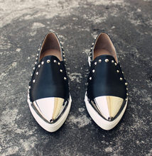 Women's Flat Platform Shoes Fashion Rivets Metal Pointed Toe Genuine Leather Shoes Slip On Ladies Brand Shoes Black White 3A