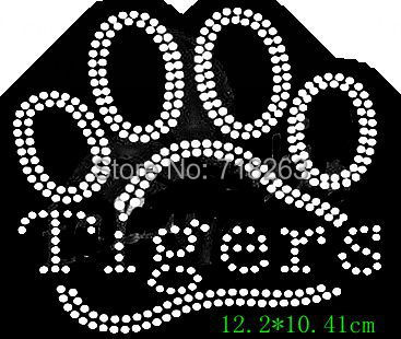 YX Free shipping nice tigers with its paw print hotfix rhinestones transfer image for cloth cool imamge for kids(China (Mainland))