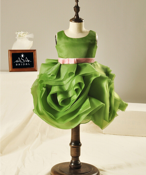 New Arrival Green Ruffles Children Flower Girl Dresses With Pink Sashes Ball Gown Birthday Party Gown For Wedding FGD06(China (Mainland))