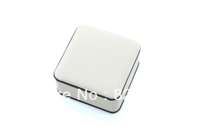 Rounded corners m white imitation leather pendant ring box package box necklace bracelet earrings box leather jewelry packaging
