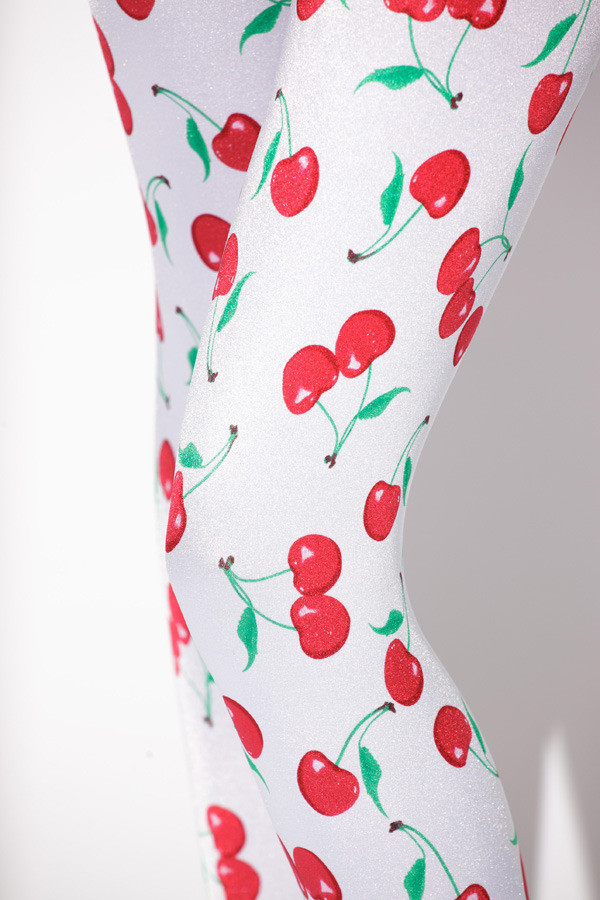 2015 Real Low Chiffon Sport The European And American Hot Sky Digital Printing Pants Cherry Printed Leggings Wholesale D082(China (Mainland))