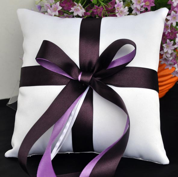 20*20cm Free Shipping Square Hand Made White Wedding Ring Pillow, ring cushion with purple bowknot(China (Mainland))