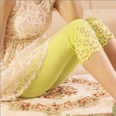 Ladies Lace Flower Printing Leggings Hollow Out Design Women Fashion Summer Mid-Calf Pants & Capris Stretch Legging(China (Mainland))