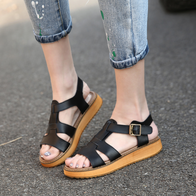 A new summer sandals female muffin thick bottom beach fashionista student size sandals wholesale<br><br>Aliexpress