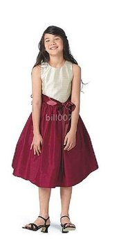 A-line Scoop Knee- Length Flower Girl Dresses 2009 Style SKU510134