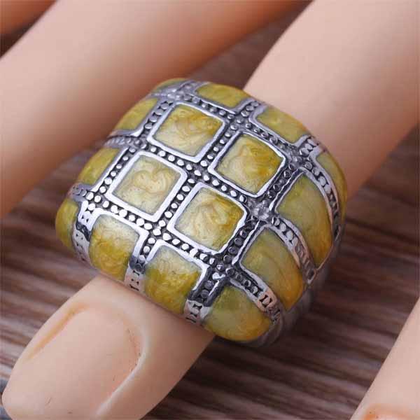 Top Fashion Stainless Steel Yellow Enamel Women's Finger Rings Charm Square Design Band Jewelry New 2016 Size 7 8 9 10 11 (A570)(China (Mainland))