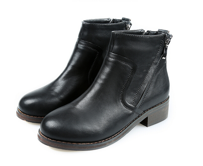 Wearing the red boots, or snow boots like the Santa Claus or being like a fairlady wearing a pair of winter boots for women, etc. Here in Zaful, we have a variety style of winter boots that fit you. Such as thigh high boots, Chelsea boots, ankle boots, mid calf boots and so on.