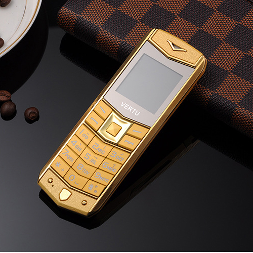 Luxury A8 Mobile Phone With Dual SIM Card Cartoon Sports Car 1.5 Inch Luxury Mini metal body Phone (Can Add Russian Keyboard)(China (Mainland))