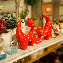 2pcs/lot Zakka Original Design Red Wood Cat Couple, Handmade Lovely Hand-carved Spoot Cats for Home Decor Room Decoration.