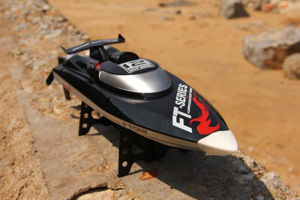 Hot Sale New FT012 Upgraded FT009 2.4G Brushless RC Racing Boat(China (Mainland))