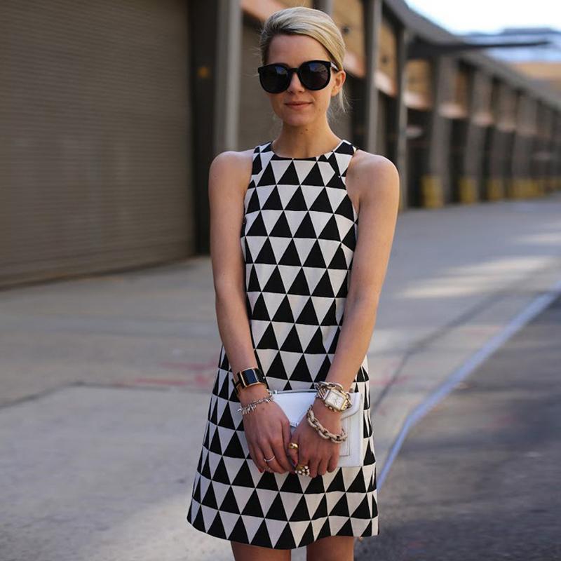 Summer Dress 2016 High Quality Fashion Sexy Sleeveless Black And White Mini-Dress Triangle Sexy Summer Style Dresses LYQ264(China (Mainland))