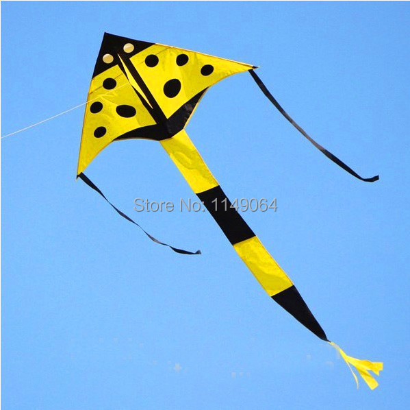 free shipping high quality 10pcs/lot ladybug kite with handle line weifang kite flying kid kites outdoor toys hcxkite factory(China (Mainland))