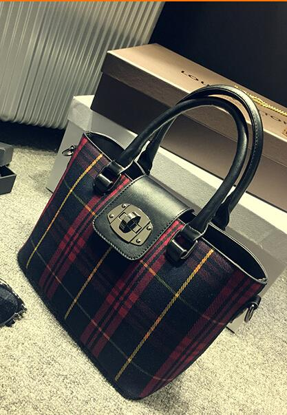 2015 Desigual Women Leather Bags Crossbody Women's Handbags Bolsas Femininas Crocodile Bag European Fold Style Business Tassel(China (Mainland))