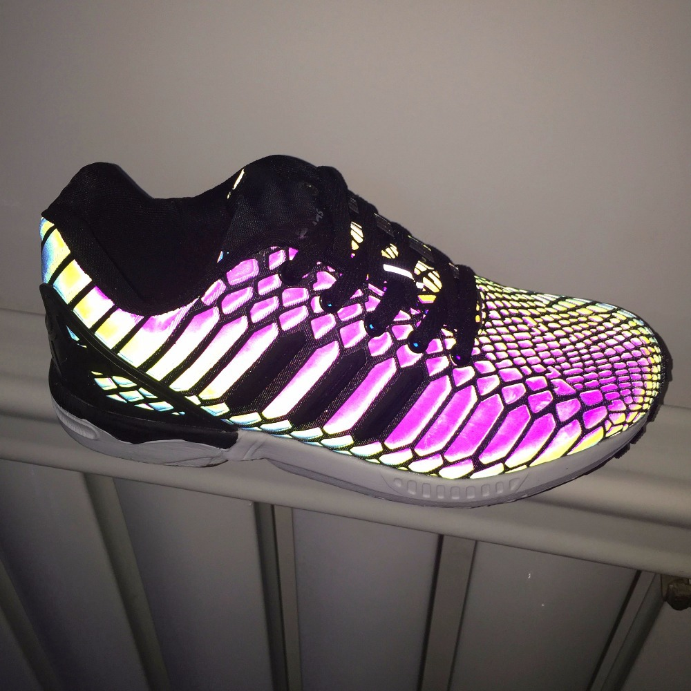 Гаджет  2015 New Specials Chameleon Emitting Luminous Casual Shoes Men Women Couple Shoe Fashion 3D reflective jogging shoes snake shoes None Обувь