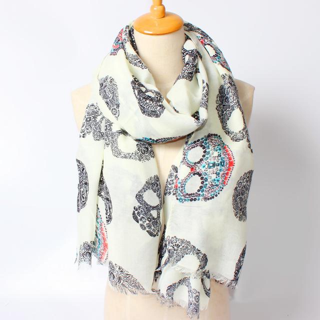 2016 новое поступление зима мода женщин высокое качество фирменный стиль красочными черепа печатной женщин длинные кисточки хлопка шарф большой платки