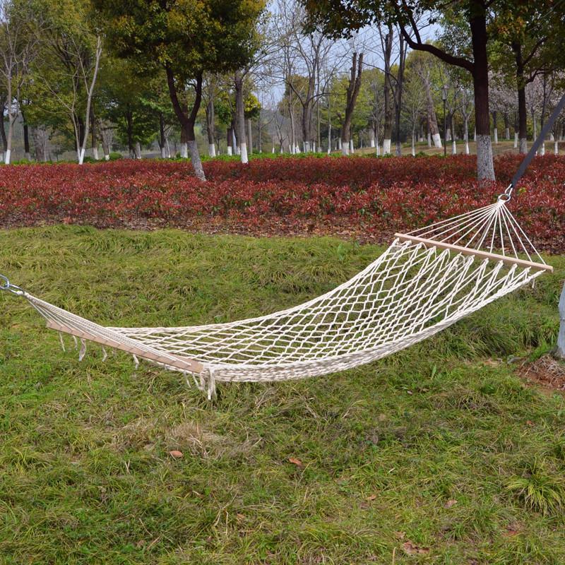 Summer outdoor mesh cotton rope hammock bold cotton stick sticks 90 stocks indoor quarters swing(China (Mainland))