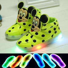 2016 New Fashion LED lighting children casual shoes Cartoon boys girls led flashing sneakers Printed Mickey baby kids boots(China (Mainland))