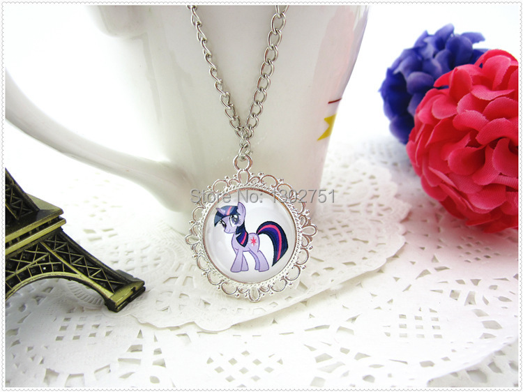 10pcs/lot My Little Pony children candy color necklace cartoon toy sweater pendants kids girls party jewelry acessories(China (Mainland))