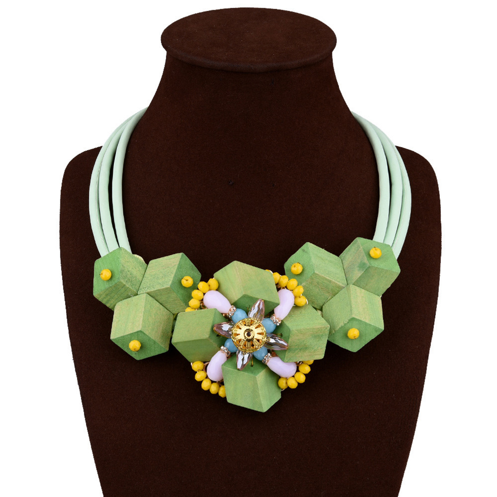 Vintage Green Wooden Geometric Shapes Creative Crystal Beads Fashion Wood Necklace Women Jewelry Retro Necklaces(China (Mainland))