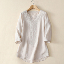 2016 New Summer Elegant Women Linen Blouse Shirt V-Neck Three Quarter Flower Embroidery Blouse 3Color S-XL
