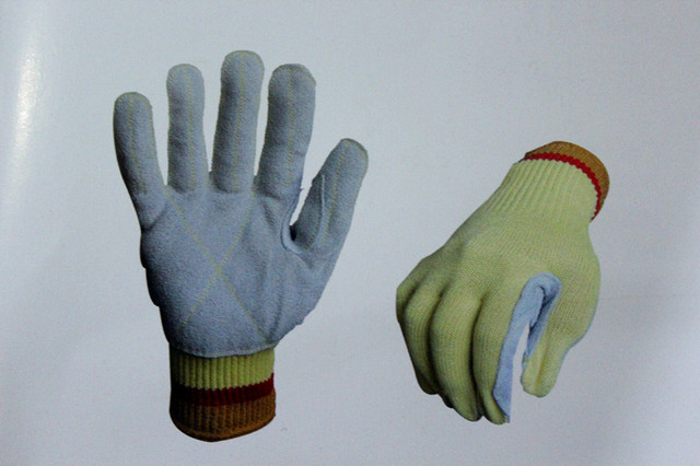 100% Aramid knitted Anti cut gloves with high quality leather palm FREE SHIPPING