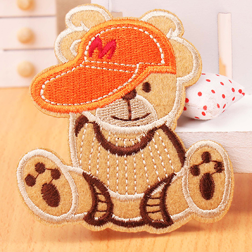 Cloth cartoon patch accessories handmade gum wearing a baseball cap, Winnie sticking cloth scrapbooking sons anarchy patches(China (Mainland))