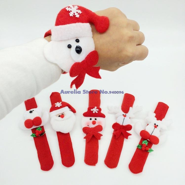 Рождественское украшение на руку фото