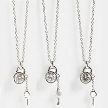 Famous Brand Letter Kors Lock Chains Necklaces Gold Silver Rose Gold Alloy Link Chains Key Pendant Necklaces For Women Gift (China (Mainland))