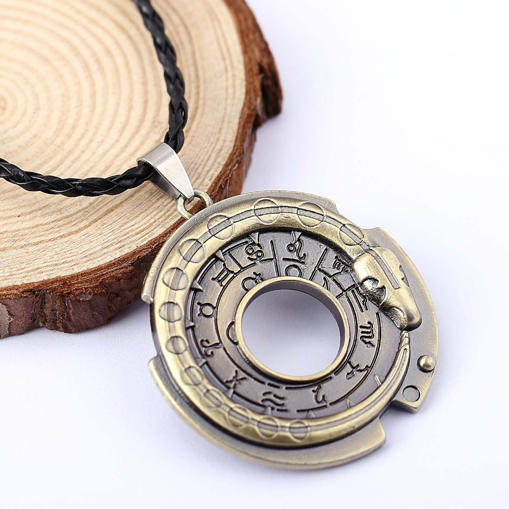H&F Assassin's Creed Necklace Connor Amulet necklace assassins creed figure Cosplay jewelry Assassins Creed Necklace for men(China (Mainland))