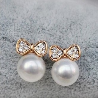 2015 New Fashion Korean Jewelry Gold Plated Butterfly Bow Knot Pearl Stud Earrings For Women Wholesale Price XY-E136(China (Mainland))