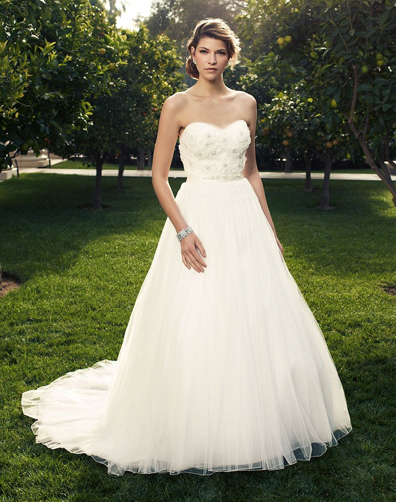 Stunning cheap sweetheart flowers ivory tulle wedding for Cheap ivory wedding dresses