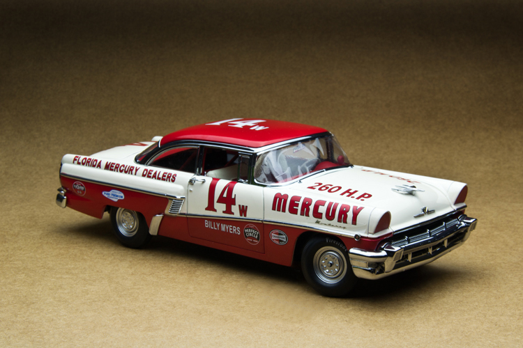 Sun Star 1:18 Mercury Montclair 1956 NASCAR race car model beach Favorites Model(China (Mainland))