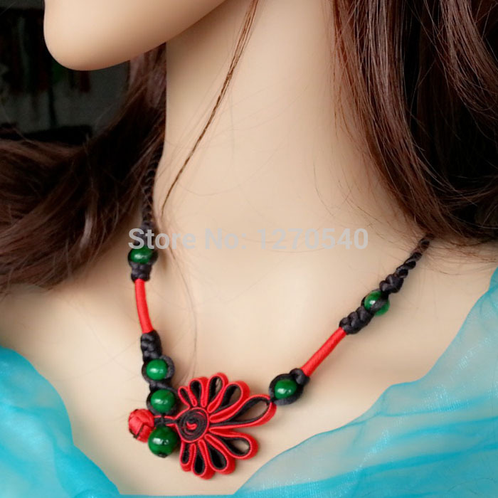 women ethnic necklace vintage jewelry ,chinese wind national jewelry peandants torques necklace, green crystal flowers necklace(China (Mainland))