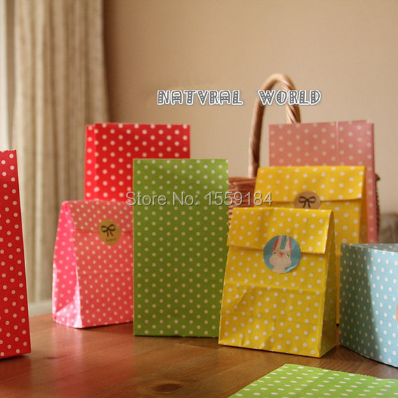 Free Shipping 100pcs Dot Paper Bag (free stickers) Gift Wrapping Bag Sugar Packaging Bag Decoration Bake Food Party Wedding Deco(China (Mainland))