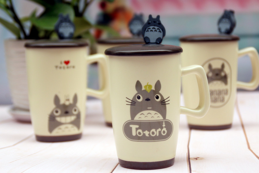 Kawaii Cartoon Novelty Totoro Handgrip porcelain Business Gift Mug With Spoon kids Cool Summer Milk Coffe Juice water Cup BW015(China (Mainland))