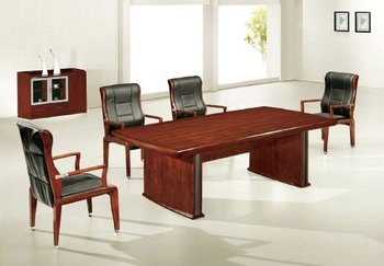 China Furniture/Office Desk, Made of MDF and Sabile Veneer