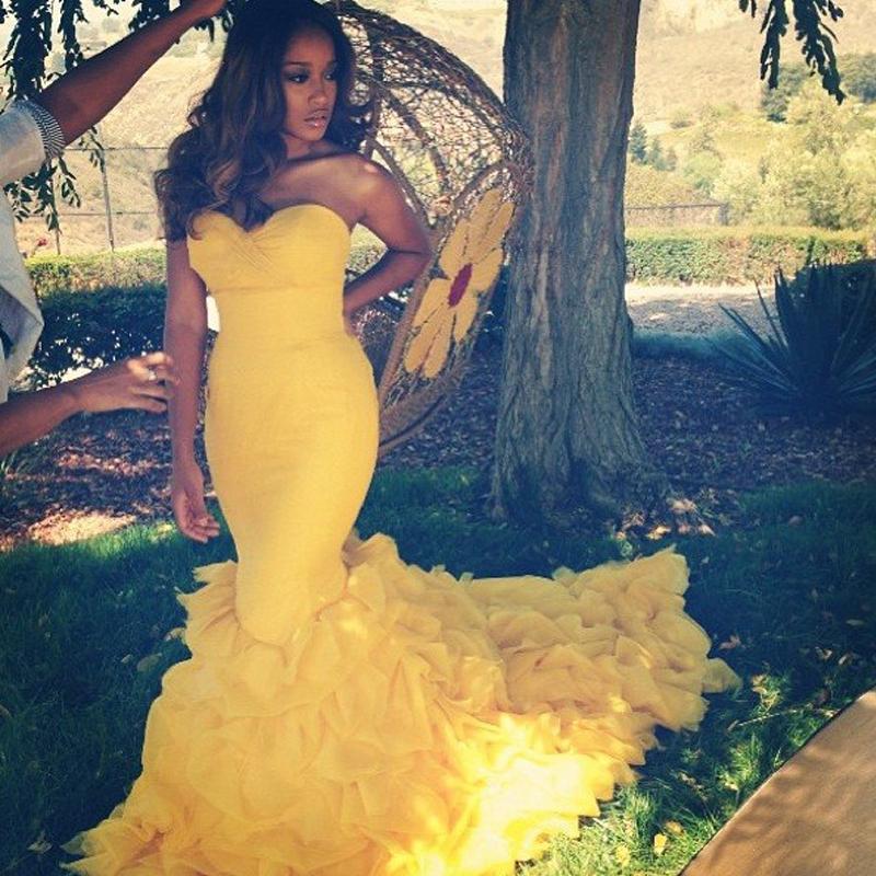 Модный желтый русалка пром платья 2016 горячая распродажа многоуровневого оборками рыбий хвост Vestidos Formatura спинки пром платья