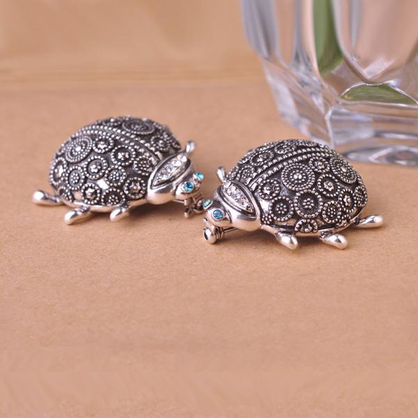 6PCS Classical Metallic European Style Brooch Pin Lot Crystal Rhinestone Faux Beautiful Beetle Women Brooches Fashion Jewelry <br><br>Aliexpress