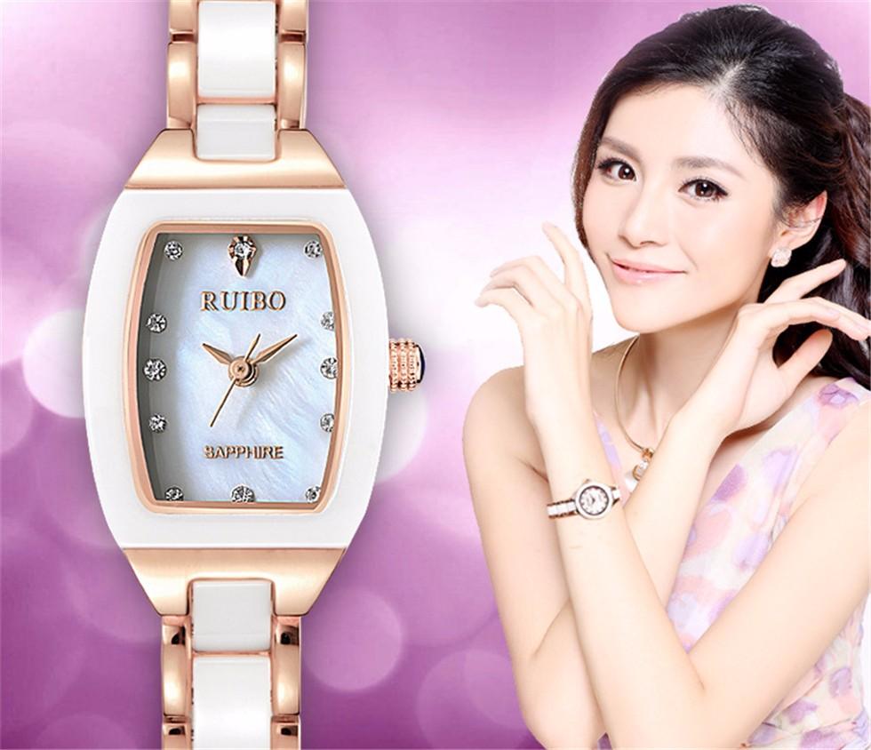 Роскошные Золотые Женщины Кварцевые Сапфир Часы Дамы Алмаз Водонепроницаемые Часы Браслет Простые Керамика Наручные Часы