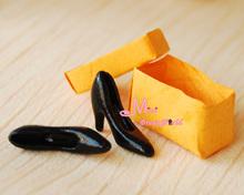 1/12 Dollhouse Miniature Black High-heeled Shoes W/ Shoe Box OT26(China (Mainland))