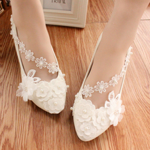 Hot Selling Handmade Wedding Shoes Bridal Spring White Lace Flower Pearl Dress Bridesmaid Shoes Sweet High heels Wedding Pumps
