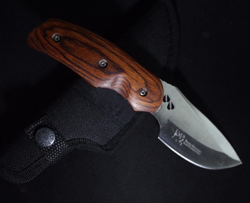 Buy HIGHT QUALITY Buck OEM 076 Folding Blade OUTDOOR Knife Wood Handle Tactical Hunting Camping survival Knife 58HRC cheap
